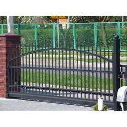 300 cm x 155 cm brána oblouková se špičkami posuvná