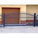 350 cm x 155 cm brána oblouková se špičkami posuvná