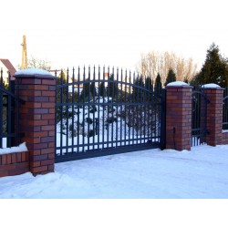400 cm x 155 cm brána oblouková se špičkami posuvná